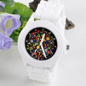 Часы с циферблатом в цветную цветок