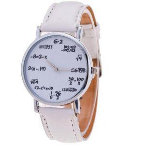 Часы с математическими вычислениями белыеиями белый