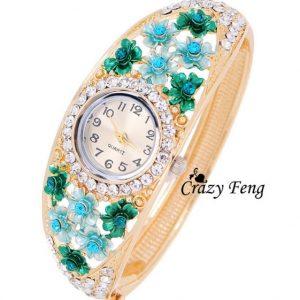 Часы с бирюзовыми камнями