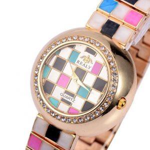 Часы с шахматной емальним покрытием