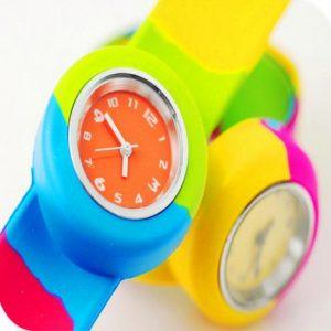 Часы детский с автозгинаючим браслетом