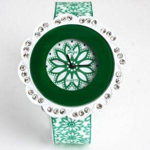 Часы в форме цветка зеленые