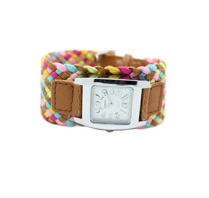 Часы с переплетенным ремнем светло-коричневые