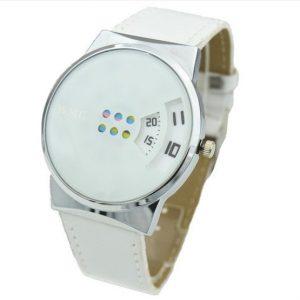 Часы с дисковыми окнами белые