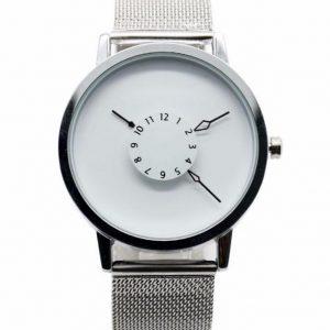 Часы с дисковыми стрелками белые