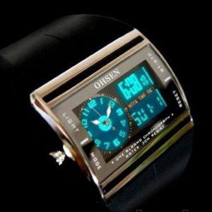 Часы с стрелочной и электронной индикацией