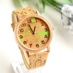 Часы деревянные пробковые зеленые